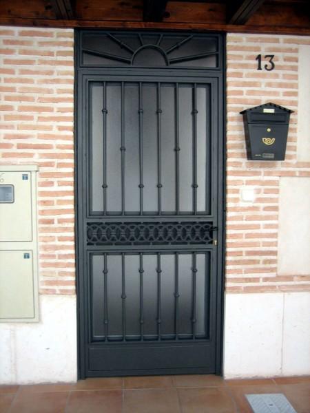 Modelos de puertas metalicas para casas good puertas for Puertas metalicas para casa