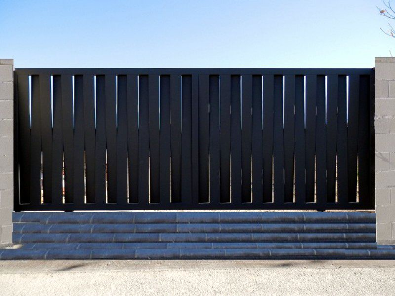 Correderas construcciones met licas cerrisan - Puertas para vallas ...